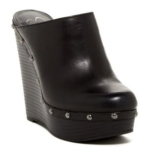 JESSICA SIMPSON black leather wedge clogs